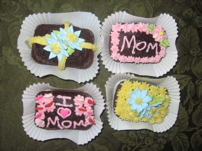 Mini Loaf Cakes for Mother's Day