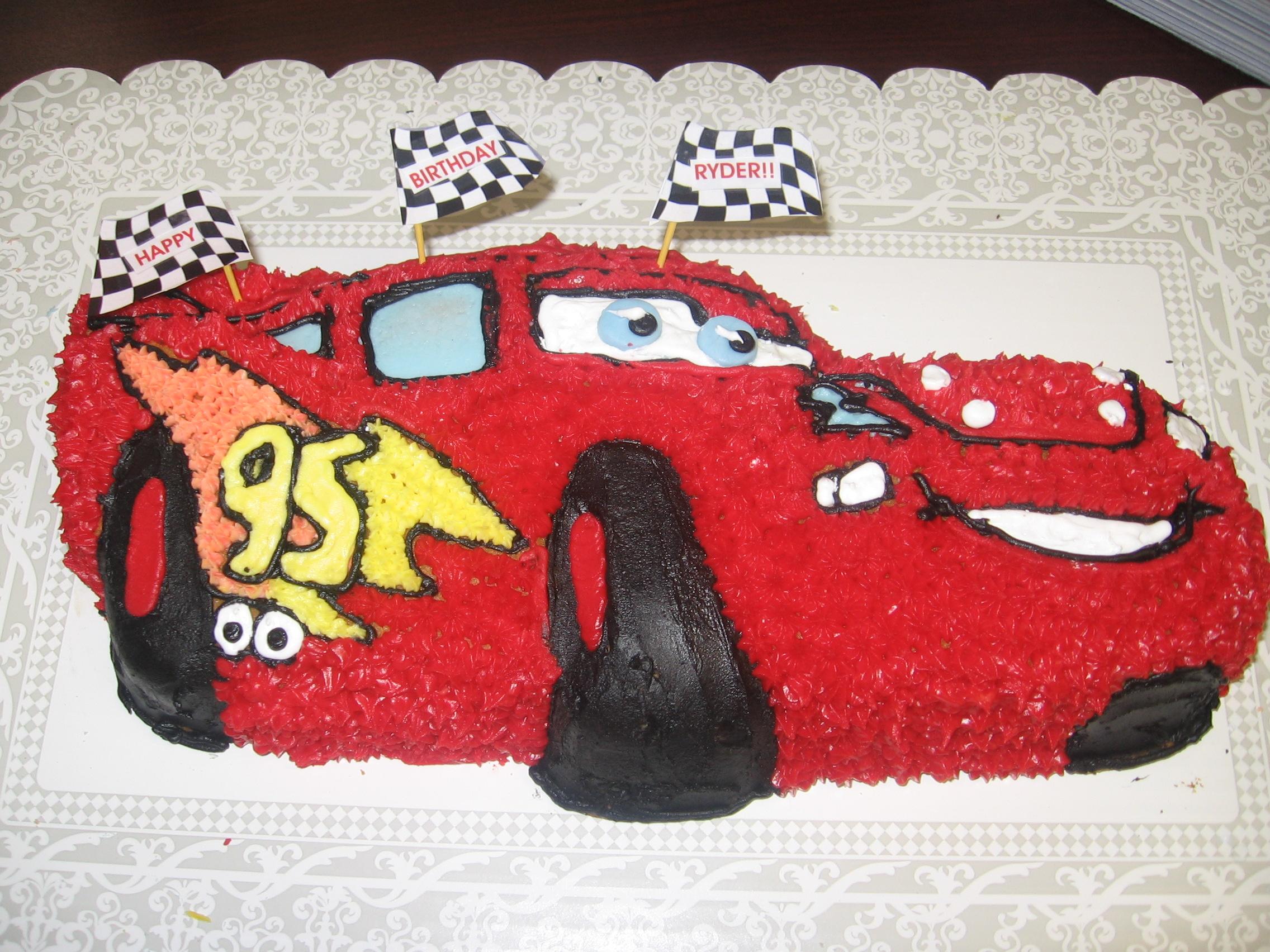 Lightning McQueen Cake | lynndaviscakes